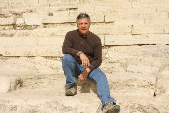 <strong>MICHAEL UTTERBACK</strong>