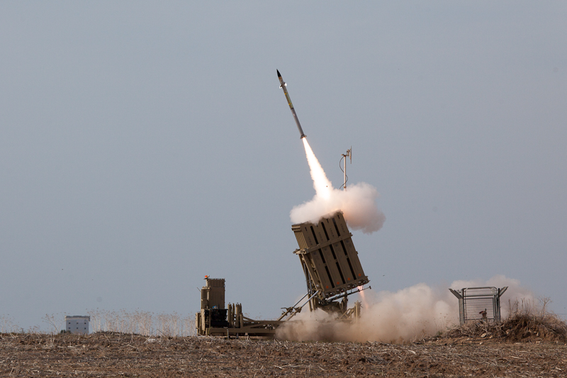 Flickr_-_Israel_Defense_Forces_-_Iron_Dome_Intercepts_Rockets_from_the_Gaza_Strip